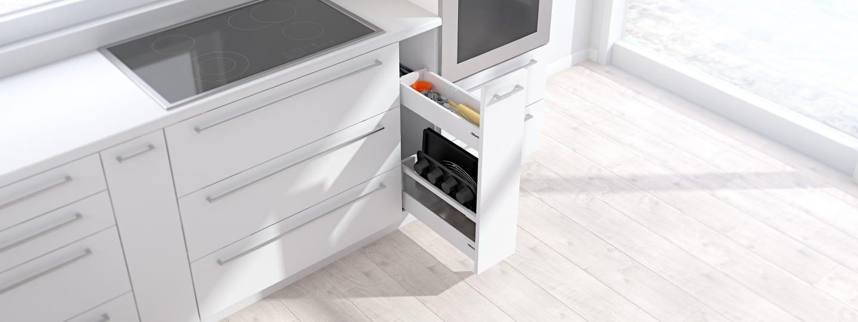 Mobile stretto per utensili da cucina e utensili per la cucina al ...