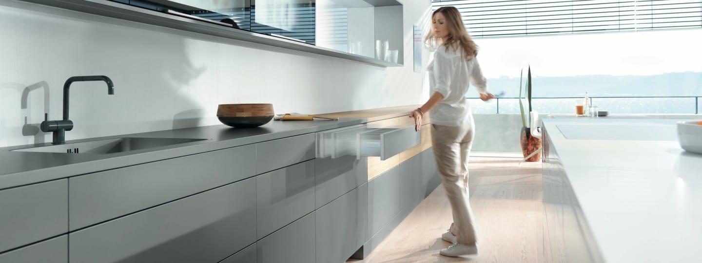 blumotion blum. Black Bedroom Furniture Sets. Home Design Ideas