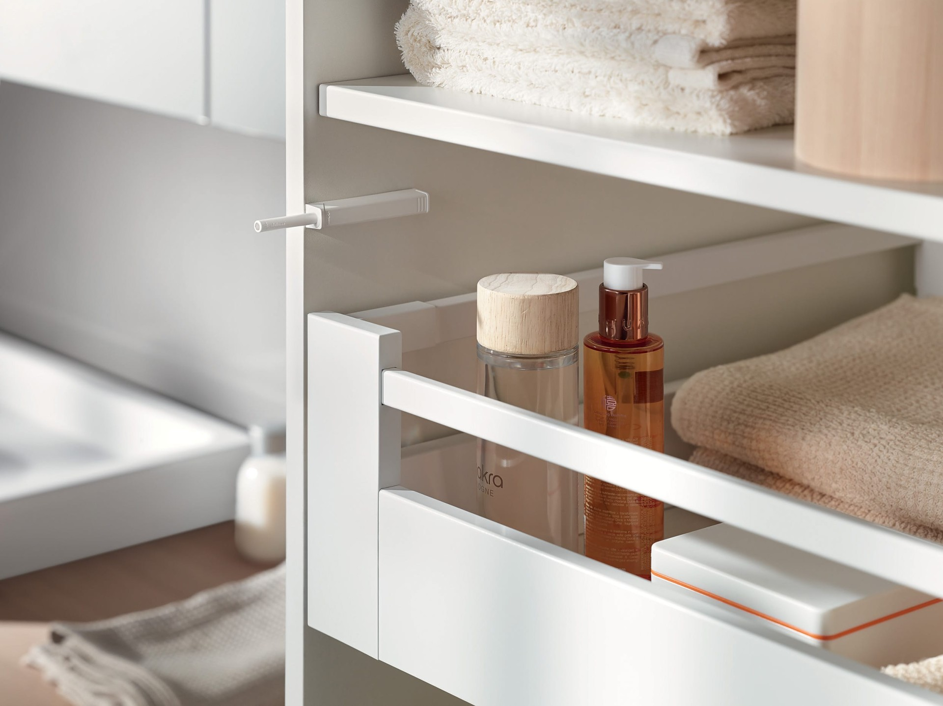 TIP-ON for doors at a glance | Blum