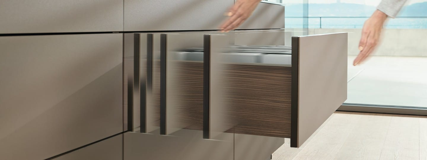 TIP-ON BLUMOTION for MOVENTO | Blum
