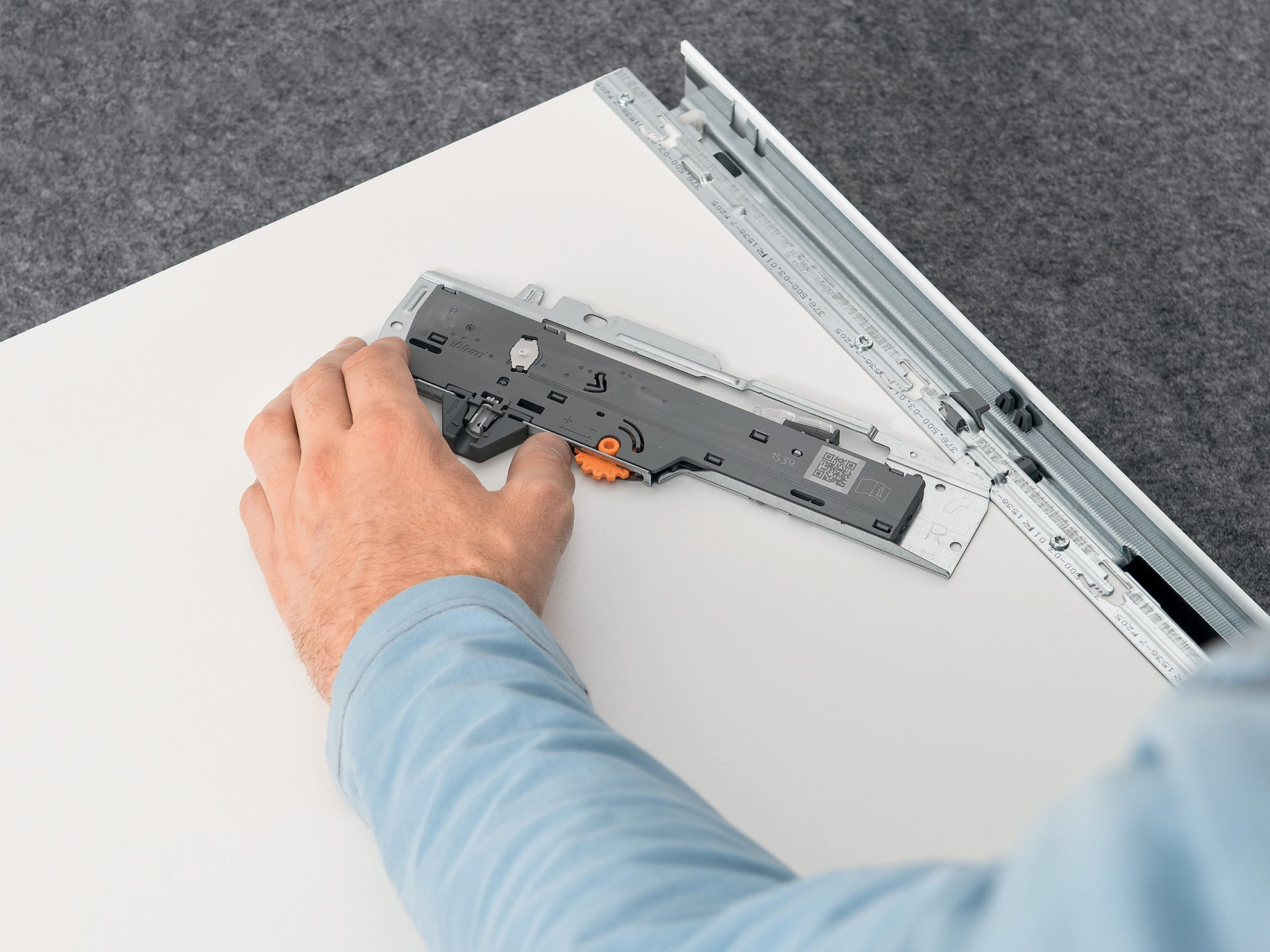 TIP-ON for TANDEMBOX Manufacturing and assembly | Blum